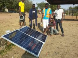 Eguzki plakak Tanzanian – Placas solares en Tanzania