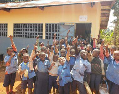 Jantokia eta oilategia Penkwako eskolarako – Comedor y granja de pollos para la escuela de Penkwa